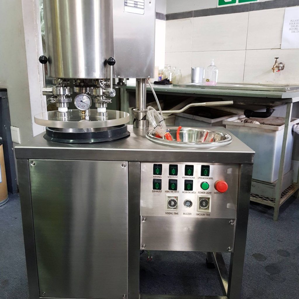 vaccum mixing machine